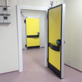 Hinged doors single wing